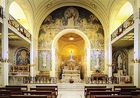Chapelle Notre-Dame de la Médaille Miraculeuse - chœur et autels latéraux