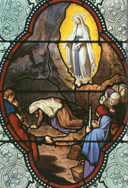 Lourdes apparition 9 - vitrail de la Basilique de l'Immaculée Conception