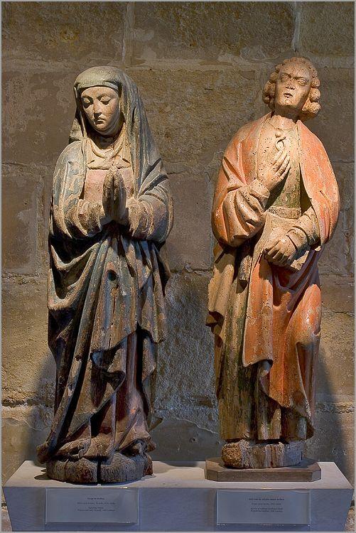 statues de la vierge et de saint jean Abbaye de Royaumont