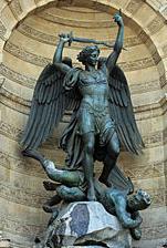 Saint Michel terrassant le Diable par Francisque Duret -Fontaine Saint-Michel de Paris.
