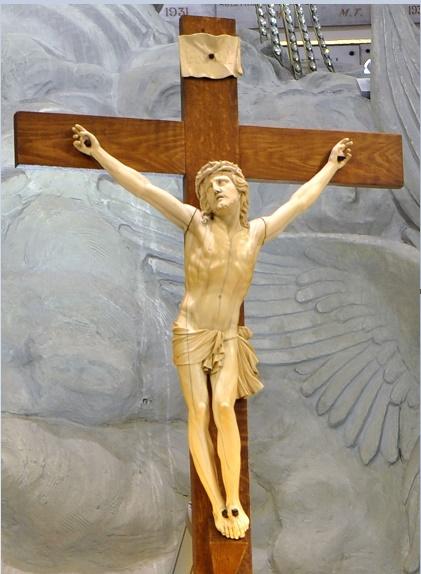 Christ du chœur - Chapelle Notre-Dame de la Médaille Miraculeuse