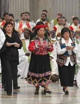 l'offertoire lors de la messe pour les migrants