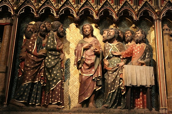 Jésus ressuscité au cénacle avec les apôtres - Frise du Déambulatoire Notre-Dame de Paris