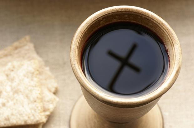 pain et vin pour l'eucharistie