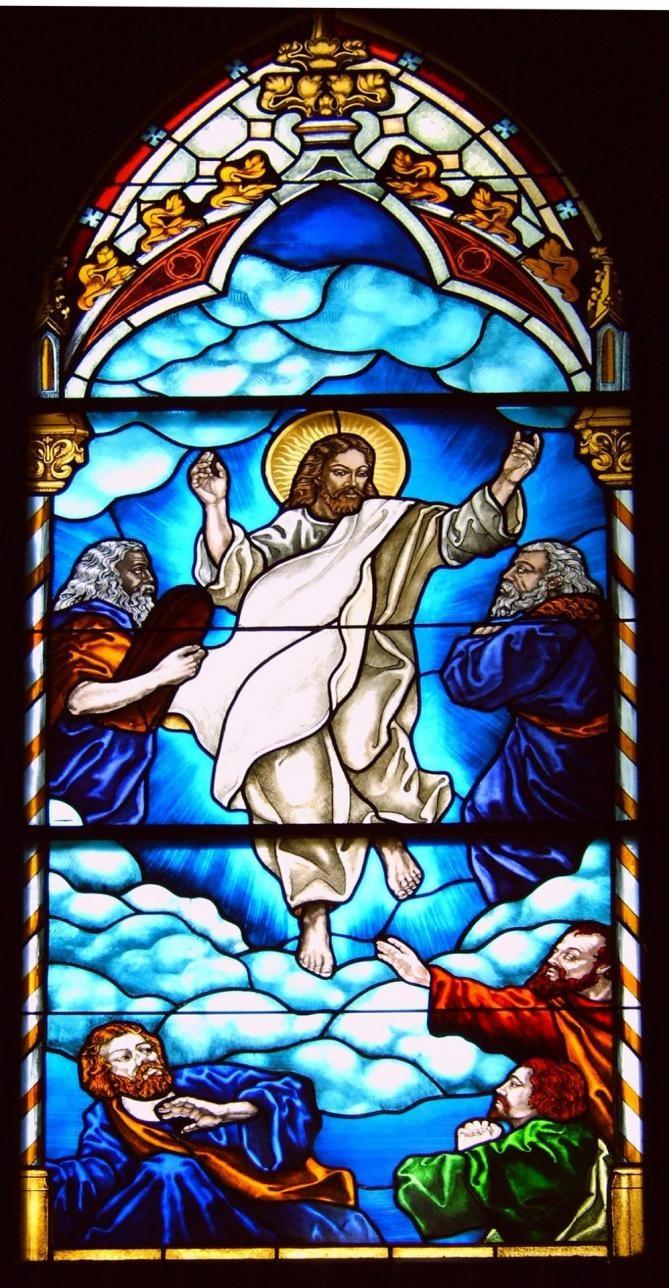 Transfiguration-du-Seigneur-Jésus.-Vitrail-de-l'église-de-Mielno-en-Pologne