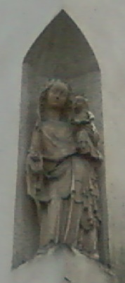 Vierge Marie angle rue de Sèvres rue St Placide à Paris